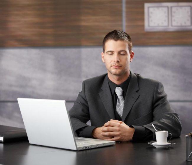meditation-in-office